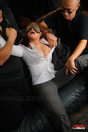 Stunning Japanese slave in dog collar & leash blindfolded & caged in D/s play