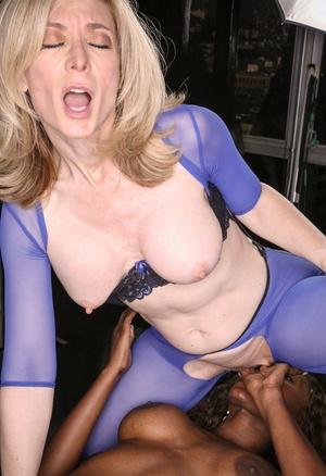 Mature blonde Nina Hartley has ebony lady Nyomi Banxxx submit in lesbian play