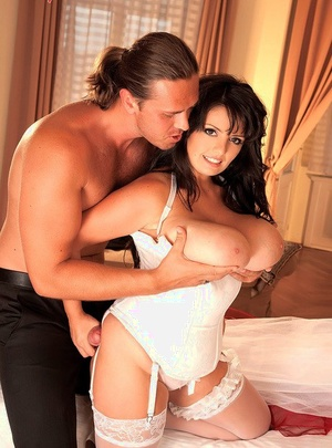 Thick chick Arianna Sinn has her huge melons freed from wedding dress by hubby