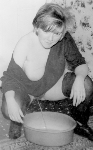 Retro pornstars squatting to pee in a bowl and drinking from pissing cock