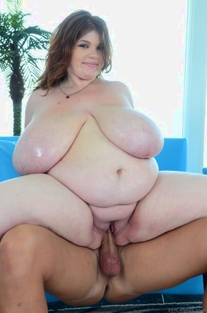 Young BBW Lexxxi Luxe shakes extremely giant orbs and meets the jizz-shotgun