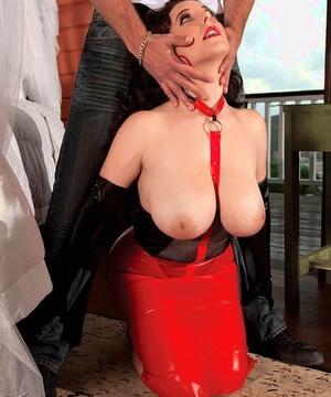 Slutty MILF Angela White in second skin latex gets nipples sucked & give head