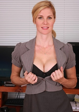 Wild blonde secretary Kate liquidates her glasses her outfit to spread at work