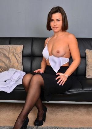 Legal secretary Jamie Ray doubles as a nude model after office hours