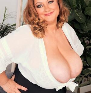 BBW Julia Jones sets her massive breasts loose during close up act