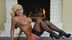 Big tit platinum-blonde MILF Alena Croft posing nude in high high-heeled slippers and pantyhose