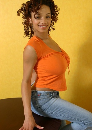 Ebony dime frees her perfect ass from blue jeans and underwear