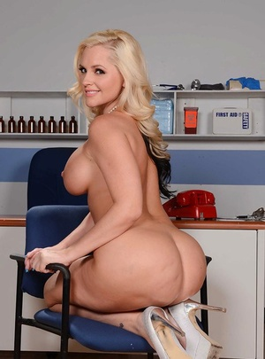 Tall and ash-blonde mom Alena Croft baring her yam-sized white ass and large breasts