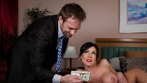 Amiable milf with big tits Kendra Zeal adores hardcore ass-fucking