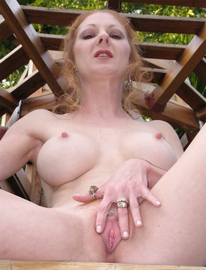 Skinny slender mature chick Annie Assets shows her nice anal gape